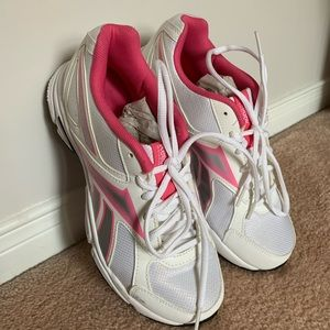 NEW Reebok Pink White Running Shoes